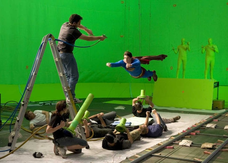 12 Behind-the-Scenes Shots That Showed a Brand New Side of Famous Movies
